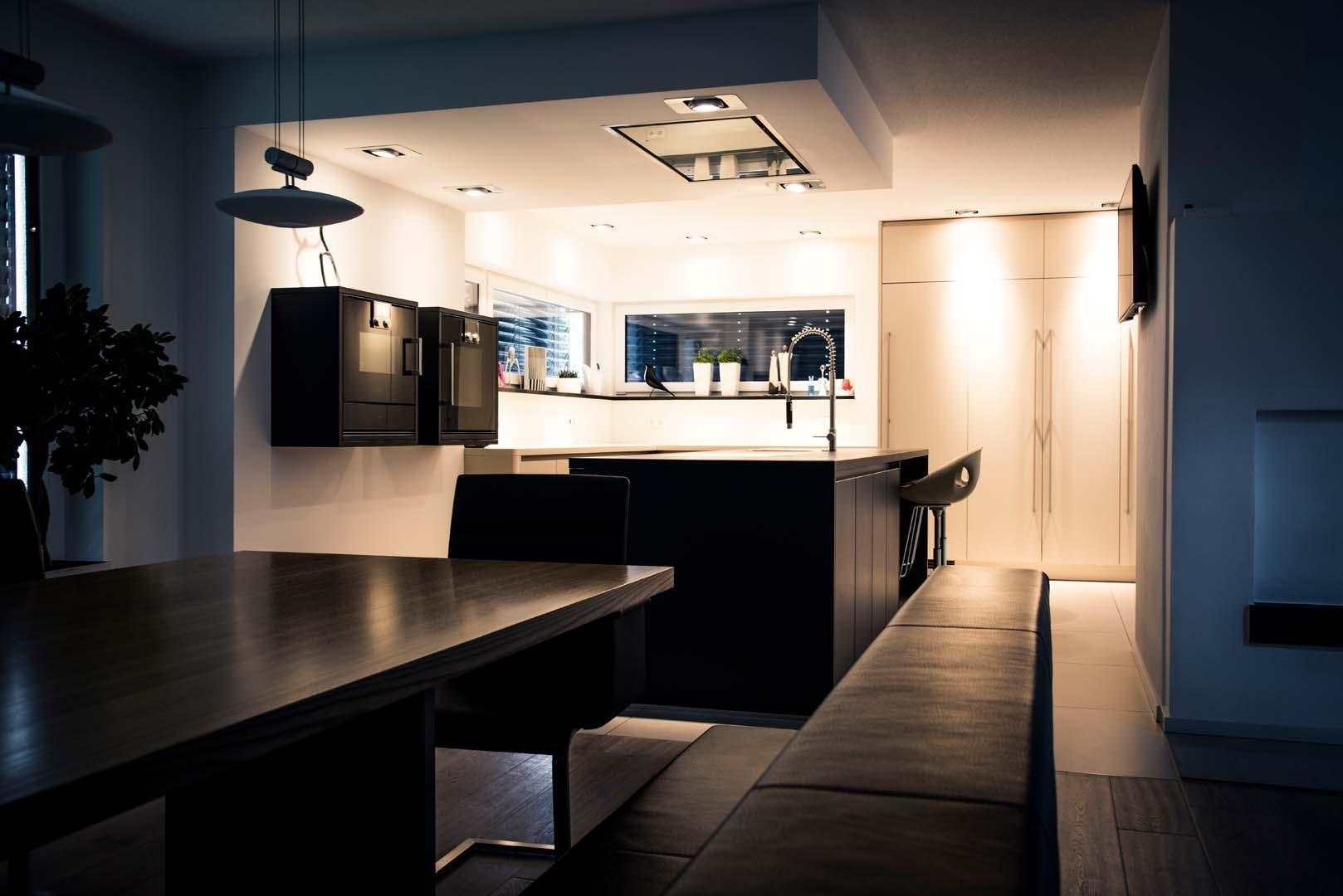 front matt lack mit keramik arbeitsplatte veigl k chen bayreuth das k chenstudio. Black Bedroom Furniture Sets. Home Design Ideas