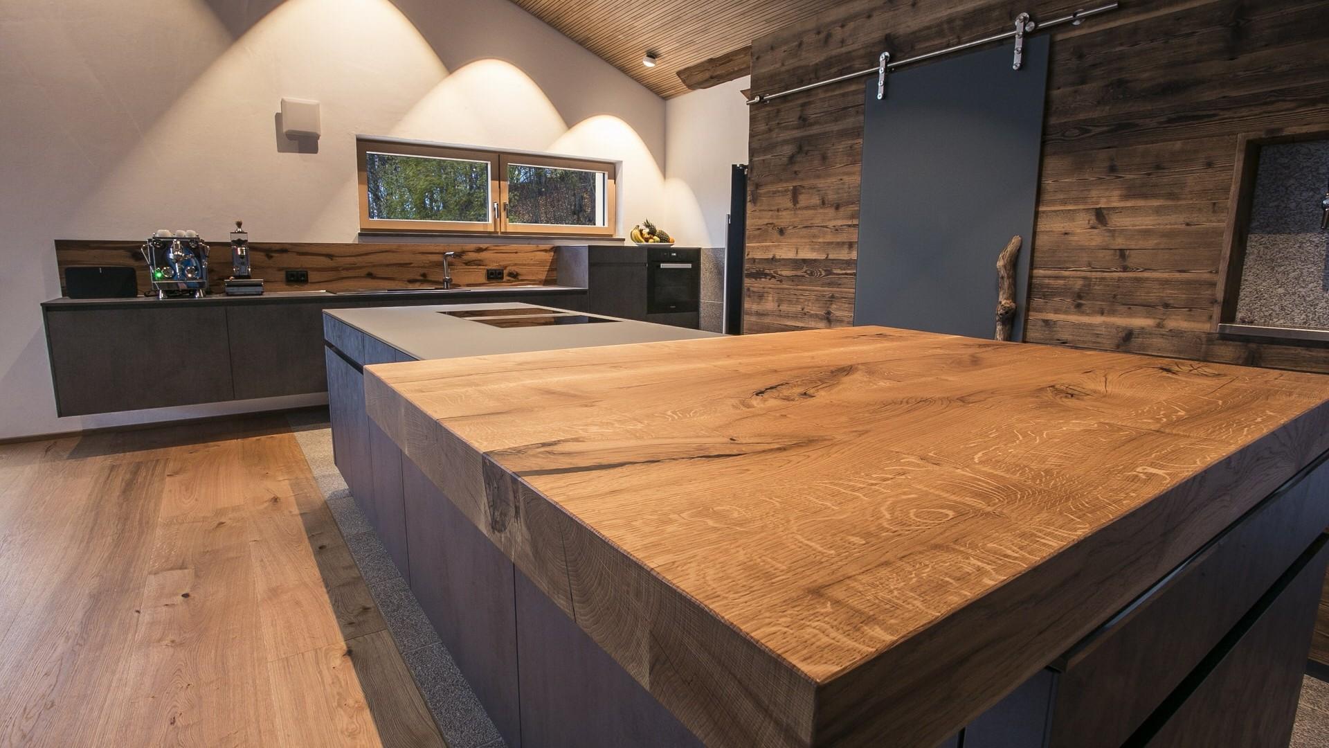 Küche Betonoptik Holz Arbeitsplatten: Beton küchen im vergleich ...