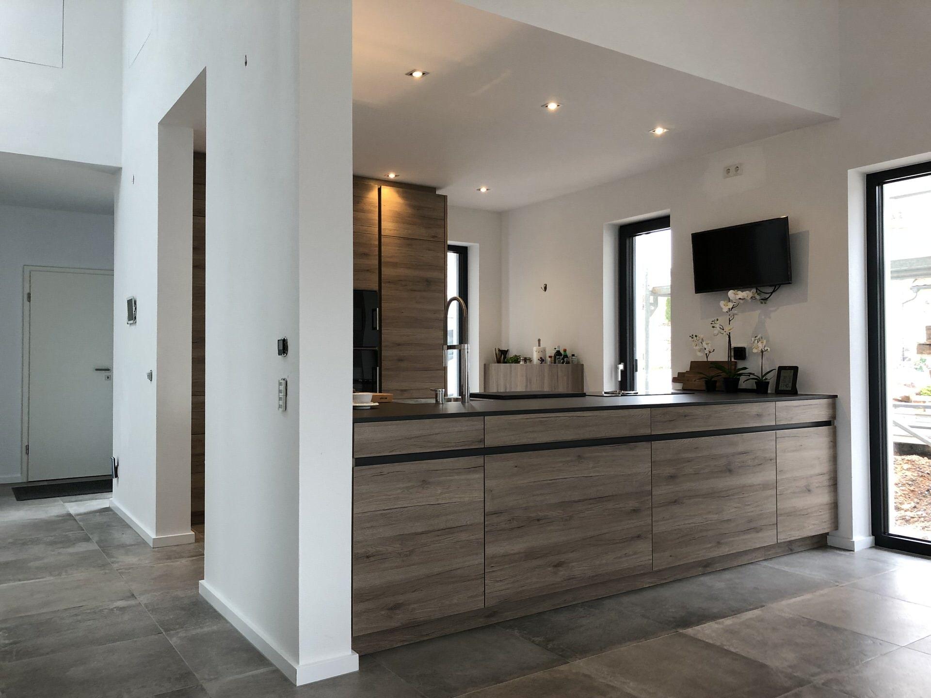 leicht avance in eiche veigl k chen bayreuth das k chenstudio. Black Bedroom Furniture Sets. Home Design Ideas