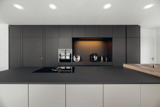 Design Küche schwarz matt